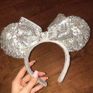 Silver sparkly Minnie Mouse ears